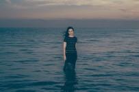 Sırma, Yeni Şarkısı 'Put Your Faith In Me' İle Dinleyicilerle Buluştu