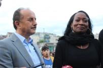 GÖZYAŞı - ABD'li Şarkıcı Della Miles, Türkiye'deki İlk İftarını Bağcılar'da Açtı
