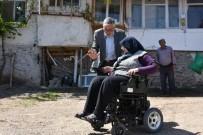 KADIR BOZKURT - Başkan Bozkurt Yatağa Bağlı Engellinin Hayatına Dokundu