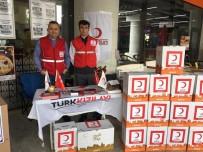 Türk Kızılayı Fitre Ve Zekat Bağışları İçin Stant Açtı