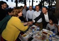 İŞİTME ENGELLİLER - Başkan Uysal, Engelli Bireylerle İftarda Buluştu