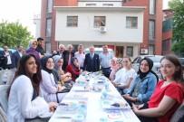 ABDİ İPEKÇİ - Bayrampaşa'da Komşular Sokak İftarında Buluştu