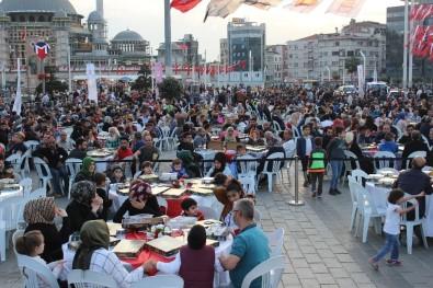 Beyoğlu'nda Engelli Vatandaşlar İftarda Bir Araya Geldi