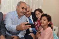 Binali Yıldırım Sultangazi'de Tan Ailesinin İftar Sofrasına Misafir Oldu