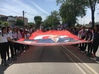 Çark Caddesi'nde 103 Metrelik Türk Bayrağı Açıldı