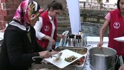 Gençler Ramazanda 'Gönül Sofralarına' Konuk Oluyor