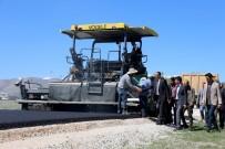 HAYRULLAH TANIŞ - Gürpınar Belediyesinden Sıcak Asfalt Çalışması