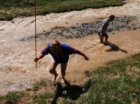 Kars'ta Kaybolan Çocuğu Arama Çalışmaları Sürüyor