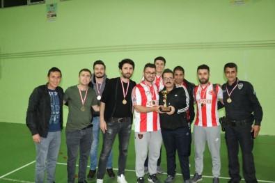 Kurtalan'da Voleybol Turnuvası Sona Erdi