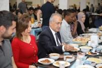 İFTAR ÇADIRI - Rektör Çomaklı Öğrencilerle İftar Sofrasına Buluştu