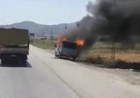 ANTAKYA - Seyir Halindeki Minibüs Alev Alev Yandı