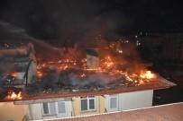 OLAY YERİ İNCELEME - Üniversitelilerin Kaldığı Apartmanda Korkutan Yangın