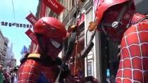 MİCHAEL JACKSON - Örümcek Adamlar Grand Pera Cercle D'orient'e Tırmandı