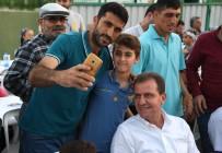 Seçer Açıklaması 'Bizi Ayrıştırmak İsteyenlere İnat Kardeşlik Türküleri Söyleyeceğiz'