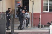 Şehir Polis Kamerasına Yakalanan Akü Hırsızları Tutuklandı