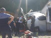 Tatvan'da Trafik Kazası Açıklaması 2 Yaralı
