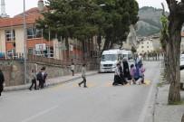 Tosya'da Yaya Geçitlerinde Uygulama Yapıldı