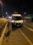 Arızalanan Araçtan İnen Vatandaşlara Servis Minibüsü Çarptı Açıklaması 1 Ölü, 2 Yaralı