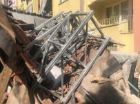 Boya Yapmak İçin Kurulan İskele Çöktü, 2 İşçi Yaralandı