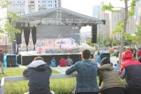 Final Four İçin İstanbul'da Dev Ekran Kuruldu
