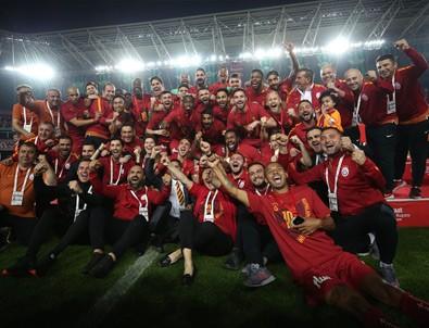 Galatasaray yönetimi prim dağıtıyor!