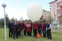 Meteoroloji Balonu Liseli Öğrenciler Tarafından Atıldı