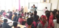 Orataköy'de Vatandaşlar Kene Konusunda Bilgilendirildi