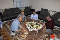 Şehit Ailesinin Evinde İftar Yemeği