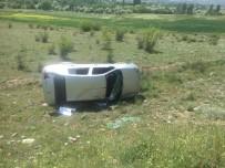 Tosya Sapaca Köyünde Otomobil Tarlaya Uçtu Açıklaması 2 Yaralı