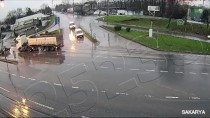 TRAFIK KAZASı - Trafik Kazaları MOBESE Kameralarında