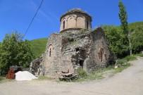 Artvin'de Bin 100 Yıllık Kilisenin Önüne Yapılmak İstenen Tuvalet Tartışma Konusu Oldu