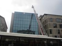 Beykoz'da İş Merkezinde Yangın Paniği