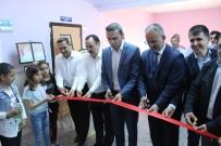 İlkokul Öğrencilerinin Resim Sergisi Törenle Açıldı