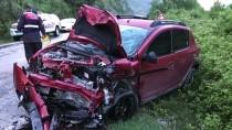 Karabük'te İki Otomobil Çarpıştı Açıklaması 1 Ölü, 4 Yaralı