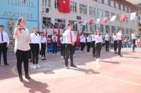 19 Mayıs Marşı'nı İşaret Diliyle Okudular