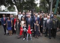 MEVLÜT ÇAVUŞOĞLU - Bakan Çavuşoğlu, Meksika'da Türklerle Bir Araya Geldi