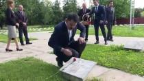 BIRINCI DÜNYA SAVAŞı - Bakan Kurum Bükreş Türk Şehitliği'ni Ziyaret Etti