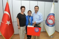 Başkan Erdoğan Şampiyon Yüzücüyü Ödüllendirdi