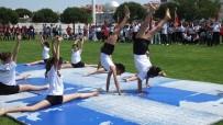 Burhaniye'de 19 Mayıs Atatürk'ü Anma Gençlik Ve Spor Bayramı Coşkuyla Kutlandı