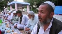 ŞANLIURFA - HUZUR VE BEREKET AYI RAMAZAN - Özbek Türkleri Asırlık İftar Geleneğini Yaşatıyor
