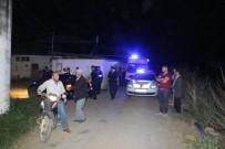 İZMIR ADLI TıP KURUMU - İzmir'de Cinnet Getiren Bir Kişi Dehşet Saçtı Açıklaması 2 Ölü 1 Ağır Yaralı