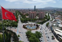 Jandarma'dan dev Türk bayrağı