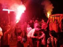 Mardin'de Binlerce Kişi Sokaklara Döküldü