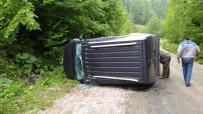 Virajı Alamayan Otomobil Devrildi Açıklaması 1 Yaralı