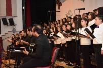 10 Dilde 100 Öğrenci Konser Verdi