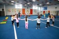 SPOR MERKEZİ - Binlerce Öğrenci Oyun Ve Sporla Keyifli Zaman Geçiriyor