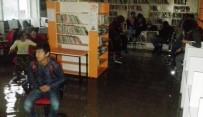 Su Basan Kütüphanede Çocuklar Mahsur Kaldı