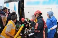 TEM'de Otobüs Tıra Çarptı Açıklaması 7 Yaralı