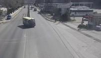 2 Kişinin Yaralandığı Kaza Güvenlik Kamerasında