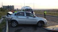 GÜLDEREN - Aksaray'da Otomobil Tur Minibüsüne Çarptı Açıklaması 4 Yaralı